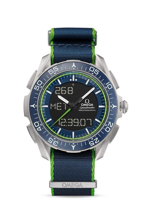 """Speedmaster """"天行者"""" X-33腕表 计时腕表45毫米 - 钛金属表壳搭配NATO表带"""