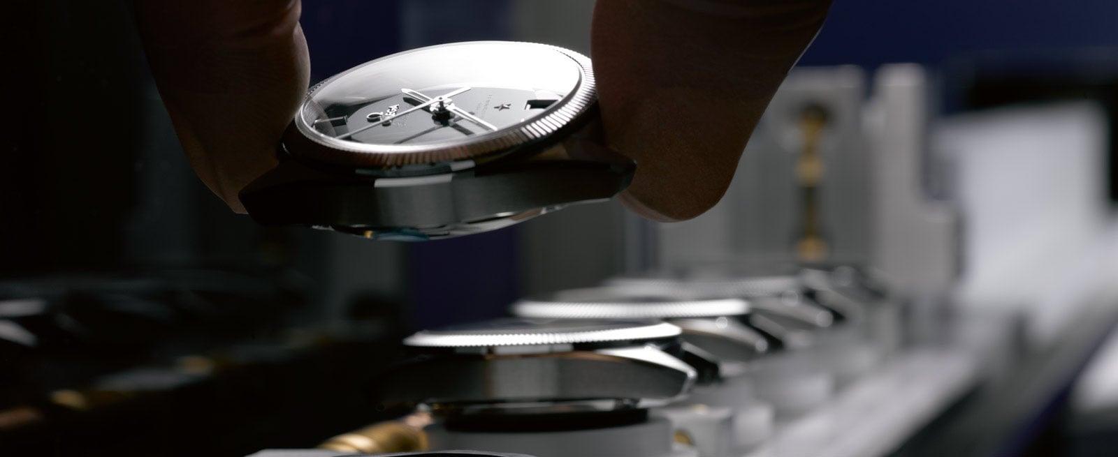 欧米茄腕表: 防磁腕表——难以阻挡的魅力 - 欧米茄制表工艺