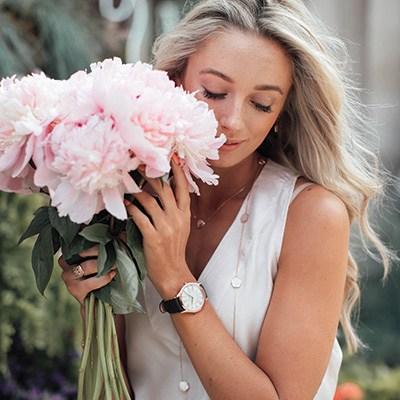 Flower系列珠宝回归自然
